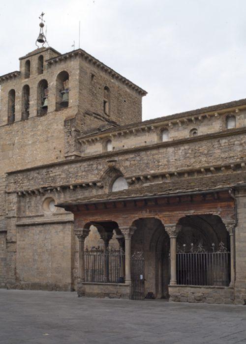 Catedral Jaca Exterior
